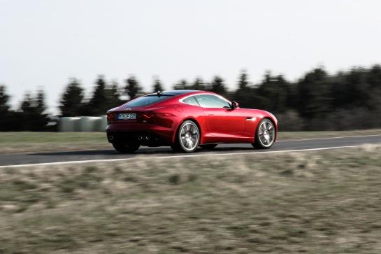 2014 Jaguar F-Type Coupé R | asphaltfrage.de | Wallpaper 4