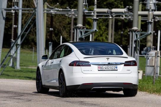 #radical14 - Tesla Model S P85+ - asphaltfrage.de - Testbericht - Wallpaper 1